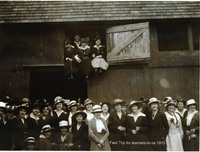 Field trip for teachers-to-be, 1915