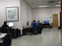 Students use computers in Ogg Science Library